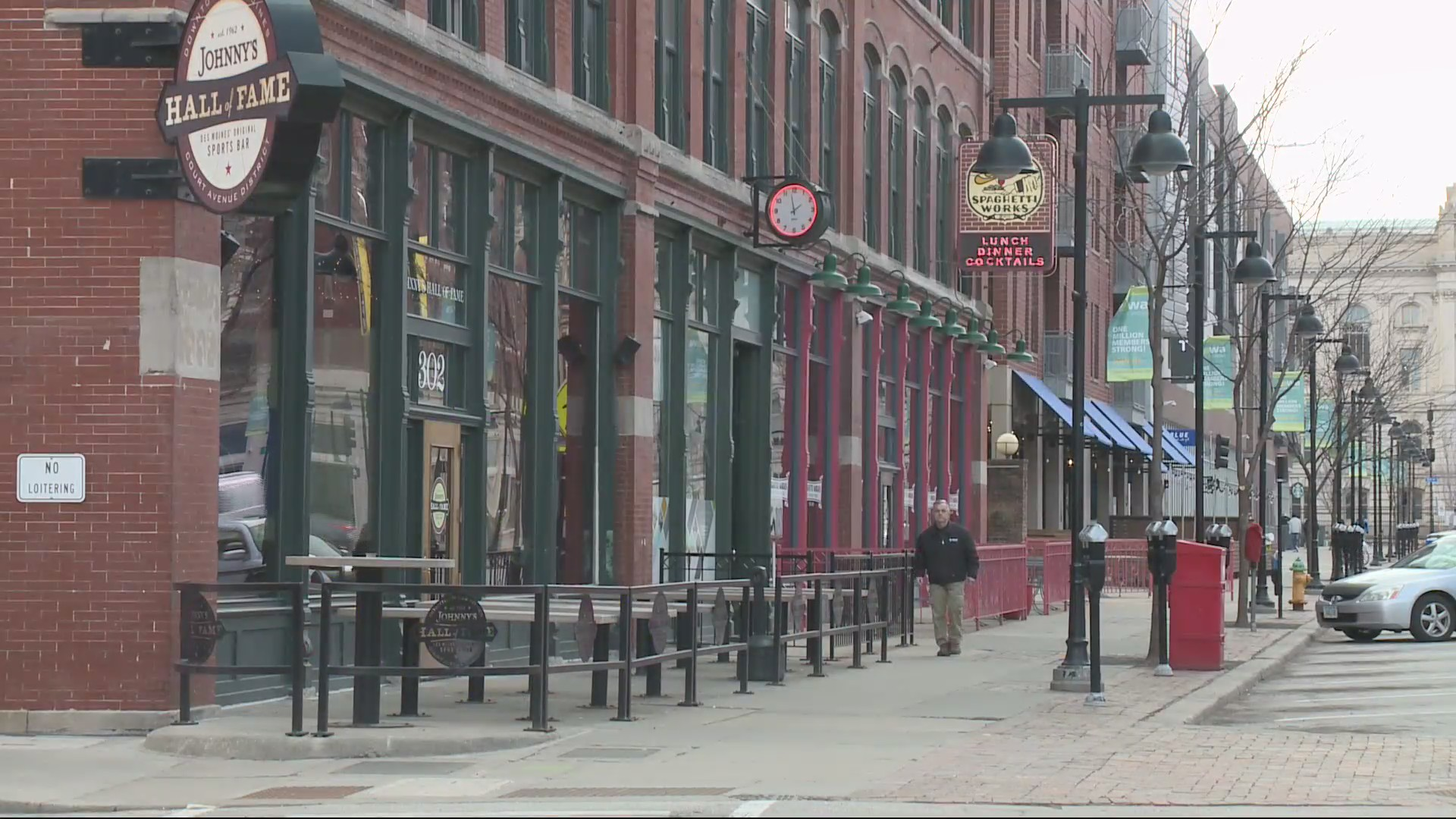 Iowa Restaurants And Bars Hold On Until Reopening Who13 Com